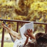 5 Places That Actually Pay You To Read Books